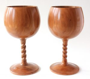 Apple goblets with twist stem