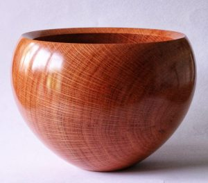 She oak bowl turned by Paul Hannaby creative woodturning